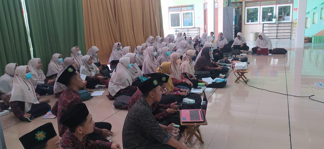 Ketahui Peran Guru Dalam Mempersiapkan AKM